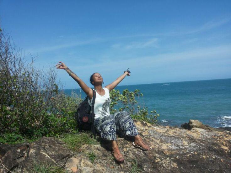 Hoog op de heuvels tussen de bossen en de rotsen is het uitzicht gelukkig nog adembenemend