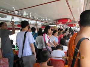 De busboot is een populair vervoersmiddel