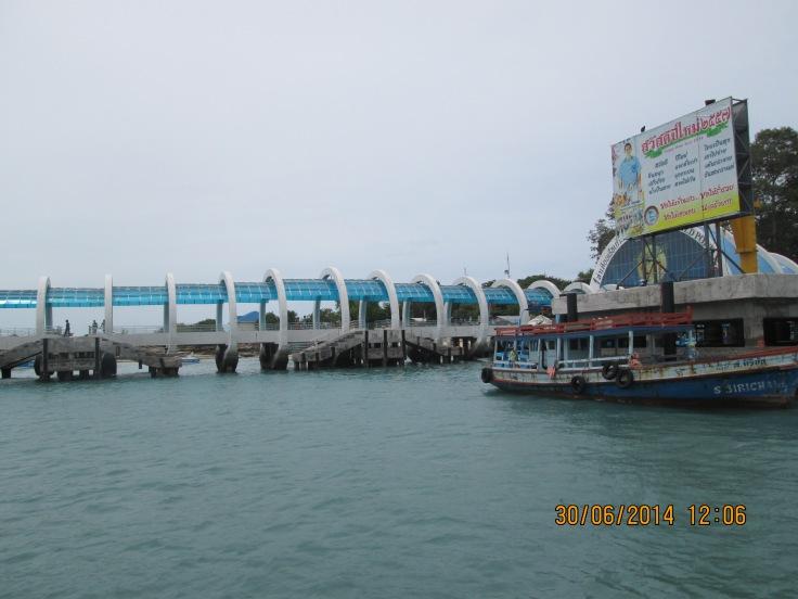 Een enorme pier wacht ons al op