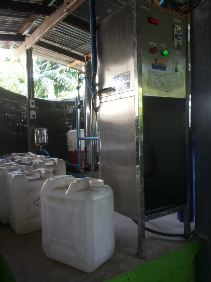 Deze waterfilter tovert drinkwater voor het hele dorp