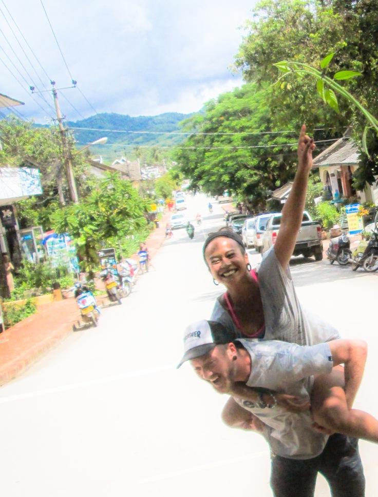 Hellóóooow Laos!!