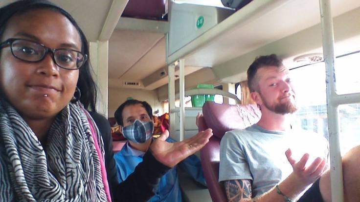 Oeps, busstop gemist... Blijkbaar gaan we dan maar gewoon naar Hanoi!!