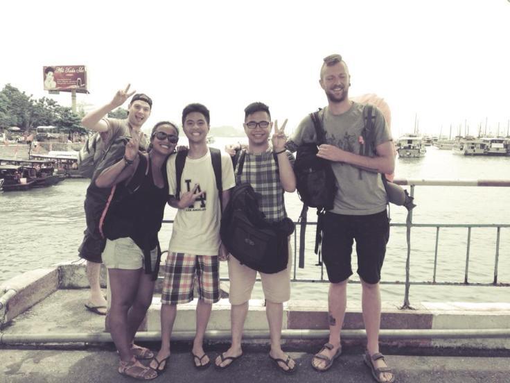 Twee super grappige broers uit Hanoi ontmoet. Of ze ons de stad willen laten zien? Sure!!