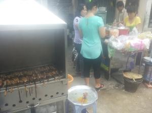 ... nu is het weer barbecuen op straat!